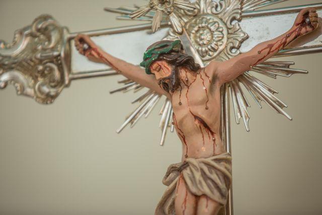 Do alto do Calvário, Jesus na cruz disse sete palavras, ou melhor sete frases pronunciadas durante a crucifixão. Eis um tema de meditação para a Semana Santa