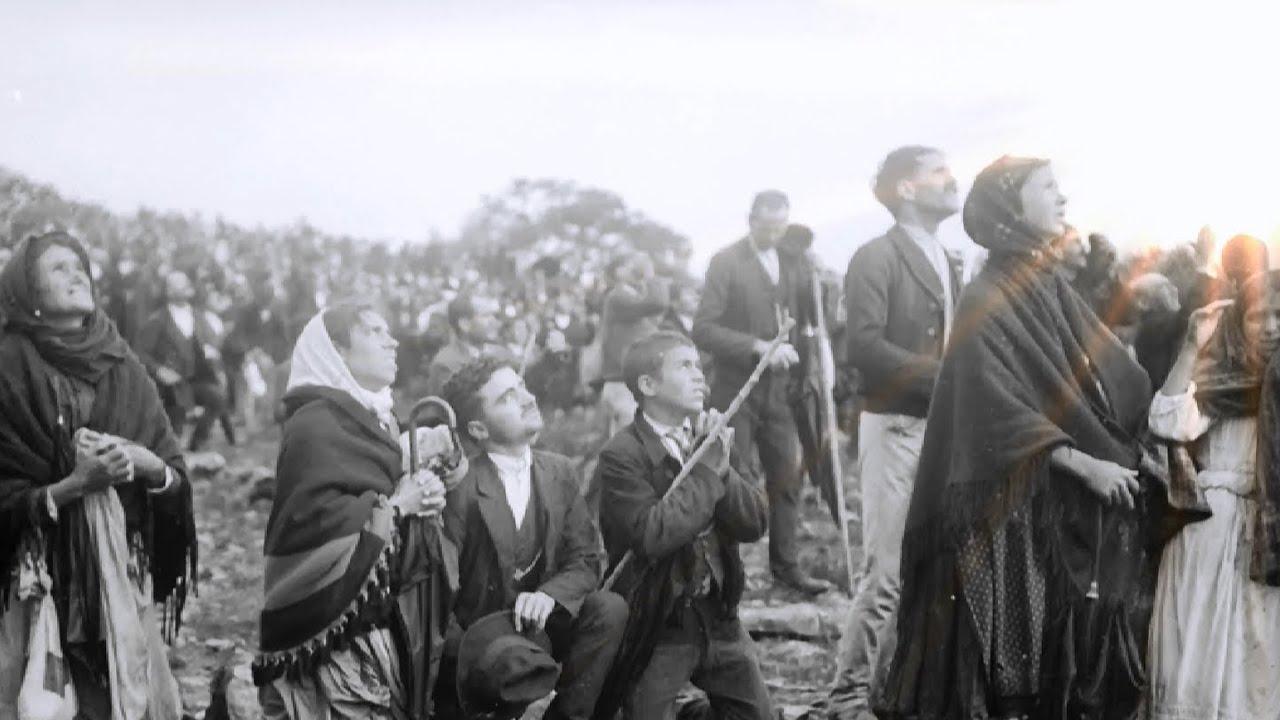 A terceira parte do Mensagem de Fátima foi revelada em 13 de julho de 1917 aos três pastorinhos na Cova da Iria e transcrita pela Irmã Lúcia em 3 de janeiro de 1944.