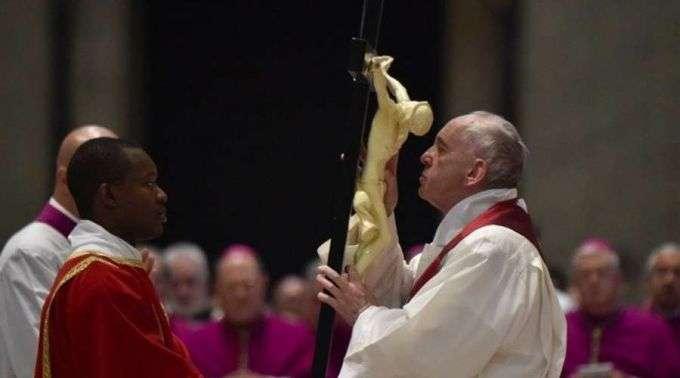 Divulgadas modificações nas celebrações presididas pelo Papa Francisco durante a Semana Santa.