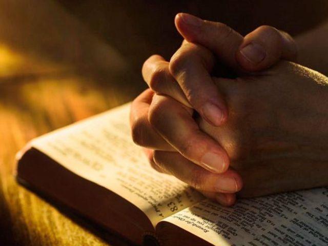 """""""É altamente provável que o aumento na intensidade da oração vá continuar"""", à medida que mais e mais pessoas encontrem seus entes queridos afetados pela pandemia."""