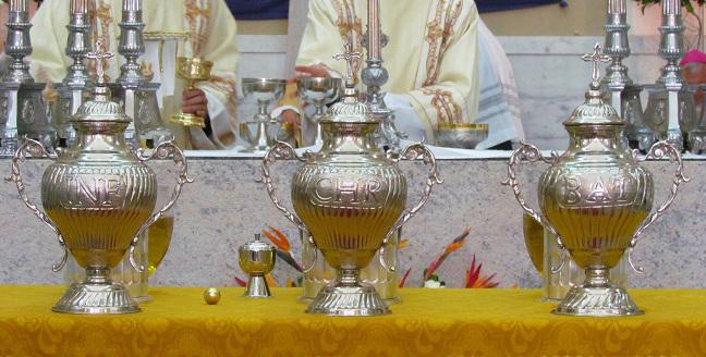 No primeiro dia do Tríduo Pascal, também conhecido como Quinta-feira Santa, celebramos a instituição da Sagrada Eucaristia e também do Sacramento da Ordem.