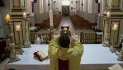 """Arcebispo de La Plata recorda que sem Celebração Eucarística """"não se constrói nenhuma comunidade cristã"""", e é compreensível que os fiéis exijam acesso à Eucaristia."""