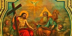 Deus manifesta seu inesgotável amor pelos homens abrindo-lhes as portas do convívio trinitário por meio da obra redentora de seu Filho.