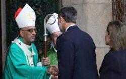 No encontro como Cardeal Omella, Felipe VI expressou seu pesar pelos sacerdotes falecidos e se interessou pelos bispos, religiosos e voluntários afetados.