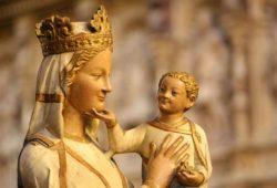 """Mãe de Misericórdia"""", """"Mãe da Esperança"""", """"Consolo dos migrantes"""" são as três novas invocações colocadas pelo Papa na Ladainha Lauretana."""
