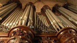 Os grandes órgãos de Notre Dame de Paris, que fizeram tremer as pedras da catedral gótica, serão restaurados, depois de serem danificados pelo incêndio de 2019.