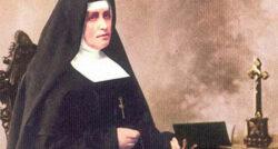 """As Irmãs Mínimas amam com o Coração de Jesus, """"com gestos ricos em ternura"""", com um """"amor simples e concreto"""" que se manifesta de modo particular na """"oração""""."""