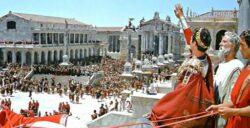 Uma das grandes chagas sociais do Império Romano era a escravidão: os ensinamentos de Nosso Senhor Jesus Cristo, se opunham radicalmente a esse e outros erros que em Roma eram comuns.