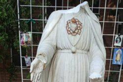O vandalismo perpetrado contra a Igreja da Sagrada Família ocorre em meio a uma onda contínua de ataques destrutivos e profanações de paróquias católicas.