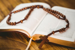 Mais que números frios de uma estatística, os resultados da recente pesquisa descrevem a alma de um povo no que ele tem de mais elevado: a religiosidade.