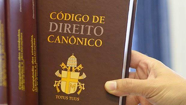 A decisão foi tomada pelo Arcebispo de Maringá recordando norma preexistente na Arquidiocese e disposições do Código de Direito Canônico.