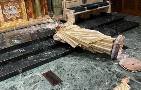 Bispo de El Paso: braços abertos desejando boas-vindas, coração inflamado de amor por nós: era minha imagem preferida