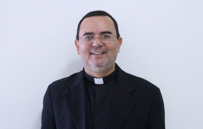 Desde 27 de fevereiro de 2019, quando Dom Adair Guimarães foi transferido para a Diocese de Formosa, a Diocese de Rubiataba-Mozarlândia estava vacante.