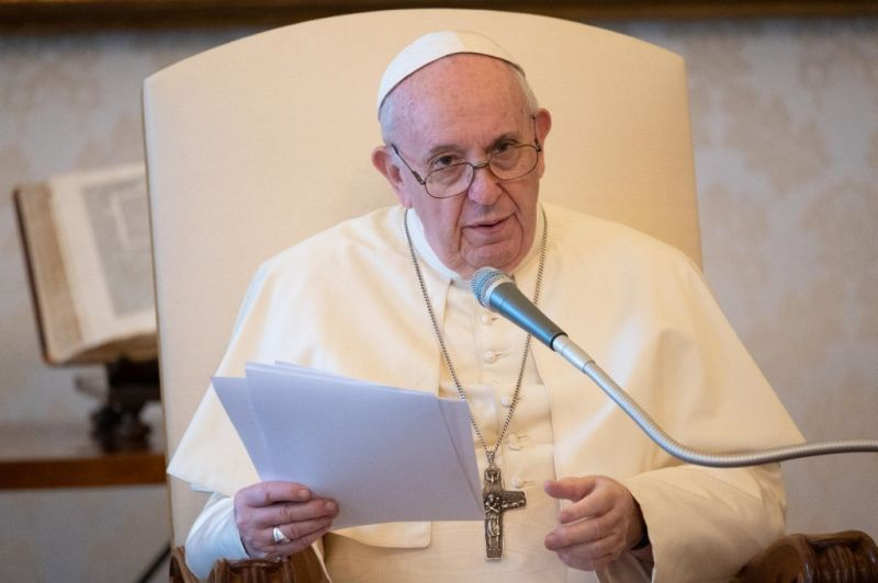 """""""Para se sair melhor de uma crise como a atual, cada um é chamado a compartilhar responsabilidades. Por isso o Papa tratou do princípio da subsidiariedade."""