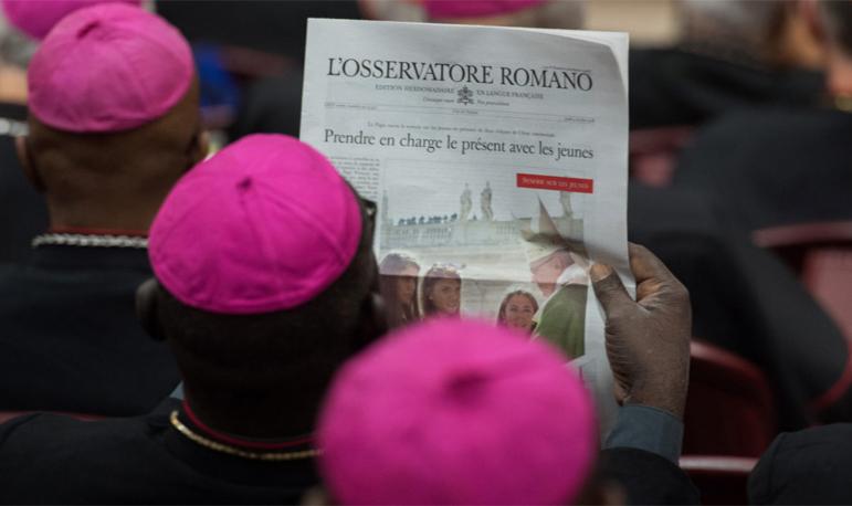 """Segundo diretores do """"L'Osservatore Romano"""", mudar, será um modo de narrar o bem que em silencio faz seu caminho, a esperança que floresce."""