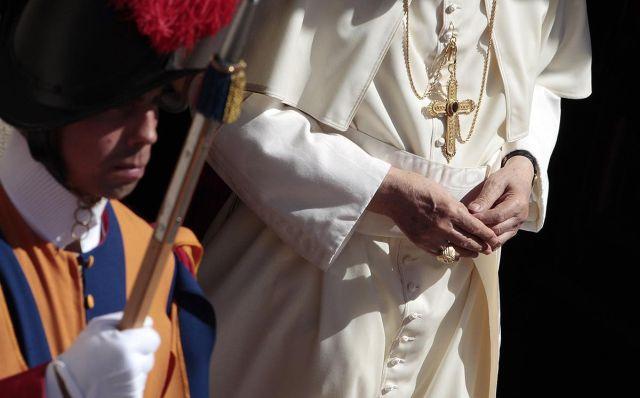 Que o juramento que farão seja também um testemunho de fidelidade à sua vocação batismal, ou seja, fidelidade a Cristo, que os chama a ser homens e cristãos.