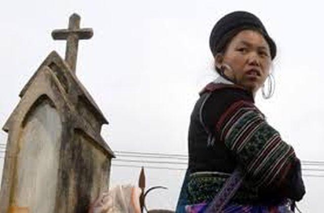 Organismos governamentais facilitam a que no Laos o cristianismo seja descrito como um credo subversivo que mina os valores tradicionais do país.