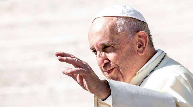 """No dia Mundial das Missões, após a recitação do Angelus, Papa Francisco recorda os missionários """"que semeiam o Evangelho no grande campo do mundo"""""""