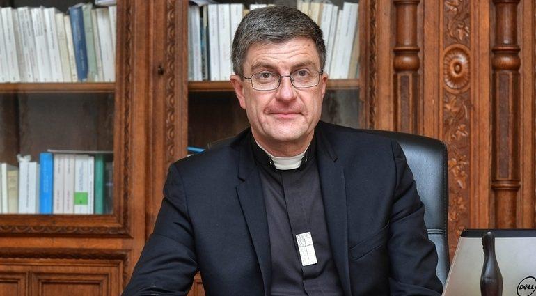 Bispos franceses expressam decepção e surpresa com o anúncio de medidas que restringem de modo exagerado e desrespeitoso a presença de fiéis nas celebrações públicas da Igreja.