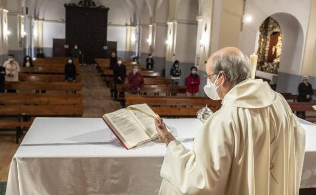 As novas medidas restritivas durante a pandemia entram em vigor hoje, 16/01: Bispos se opõem e pedem revisão quanto a presença de fiéis nas igrejas.