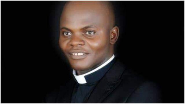 Sacerdote Católico brutalmente assassinado na Nigéria