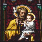 Podemos recorrer a São José para tudo, para pedir esperança, para pedir a paz, pedir a conversão que nos aproxima de Jesus e de Maria.