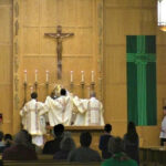 A Paróquia de Santo Abano, em Rochester é um exemplo de como as comunidades paroquiais do Ordinariato Anglo Católico conseguem que os fiéis rezem o Ofício Divino.