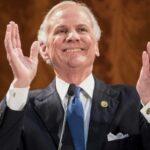 Governador da Carolina do Sul referendou lei que proíbe aborto se forem percebidas batidas cardíacas em bebês não nascidos.