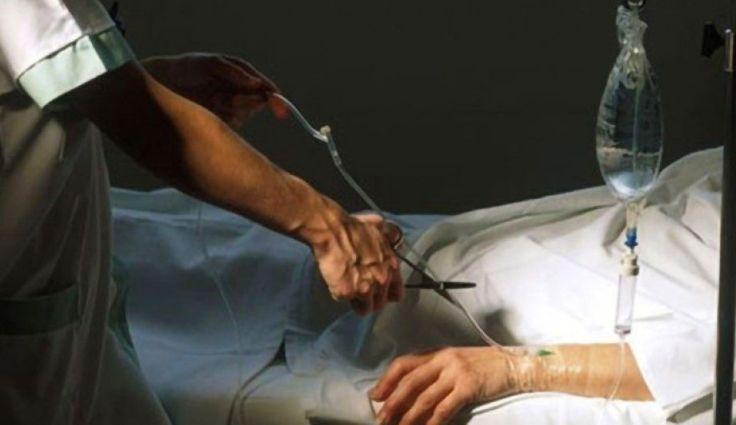 A eutanásia antecipa o trabalho da morte. Devemos estar ao lado dos que sofrem, não os deixar nas mãos da desumanização da medicina, nas mãos da indústria da eutanásia.