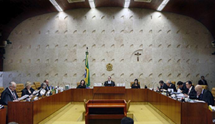 PGR solicita ao STF que retire ministro da relatoria da ação sobre a validade do decreto do estado de São Paulo que proibiu a realização de cultos religiosos.