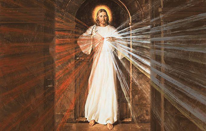 Fala ao mundo da Minha insondável Misericórdia: que toda a humanidade a conheça. Antes do Dia da Justiça envio o Dia da Misericórdia, quem não queira passar pela porta de Minha Misericórdia, tem que passar pela porta de Minha Justiça.