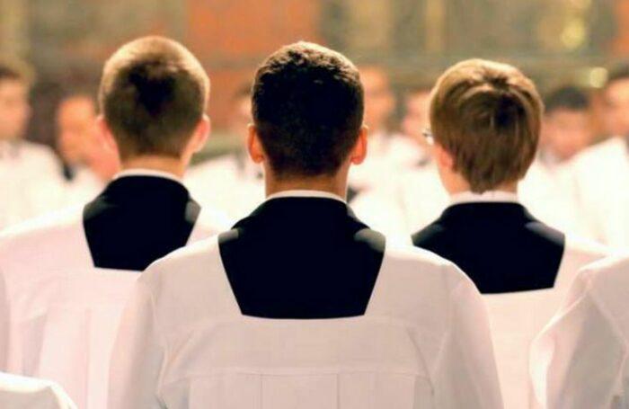 São 804 os seminaristas em fase preparatória ou já estudando filosofia e teologia para uma muito provável futura ordenação sacerdotal.