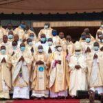 O florescimento de vocações sacerdotais na África, Ásia, Oceania, América Latina é um dado constante registrado nos últimos anos: sacerdotes africanos sustentam e revigoram Igrejas europeias.