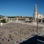 """A peregrinação de 13 de maio tem como tema """"Louvai o Senhor, que levanta os Fracos"""" e será presidida pelo cardeal português Dom José Tolentino Mendonça."""