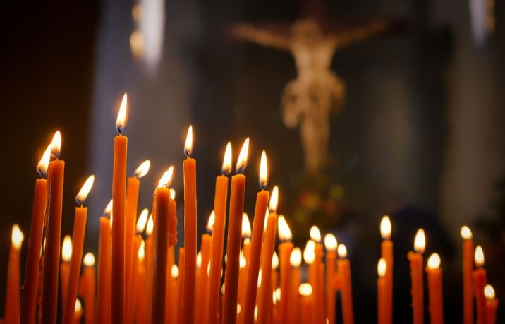 Que na Ascensão do Senhor, em todas as catedrais das dioceses e nas diferentes paróquias do país sejam celebradas Missas em sufrágio das almas das vítimas da covid-19.