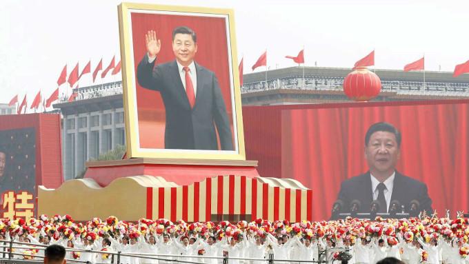 """Para os comunistas chineses, são considerados """"criminosos"""" os """"profissionais religiosos"""" que não aderem à igreja Patriótica Independente e se submetem às normas do Partido."""