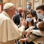 """""""Para os discípulos de Jesus amar é servir e servir é reinar. O poder está no serviço, e em nada mais"""", diz Papa em Audiência aos Diáconos da Diocese de Roma."""